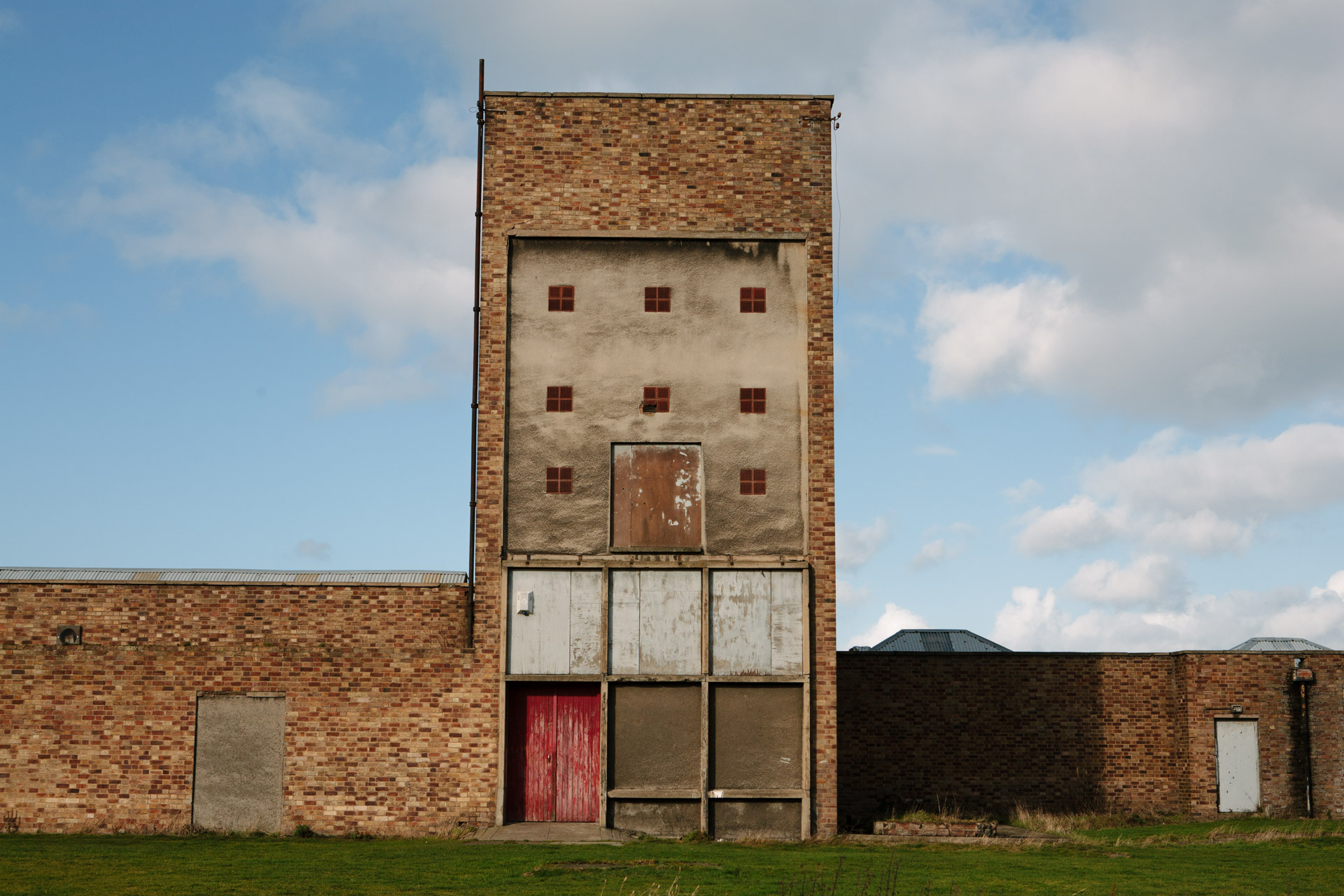 Ten Dramatic Years. Home the Birth of the NTS. The venue, Home. East Lothian